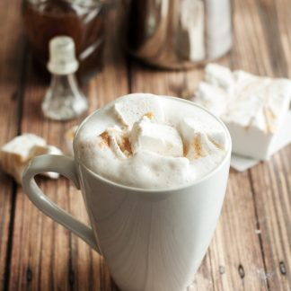 It's the REAL deal, make a Pumpkin Spice Latte at home with the best PSL syrup around! Only 33 calories per serving! | asimplepantry.com