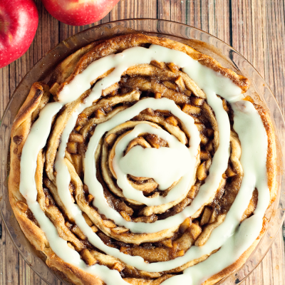 Spiced Apple Cinnamon Roll Cake