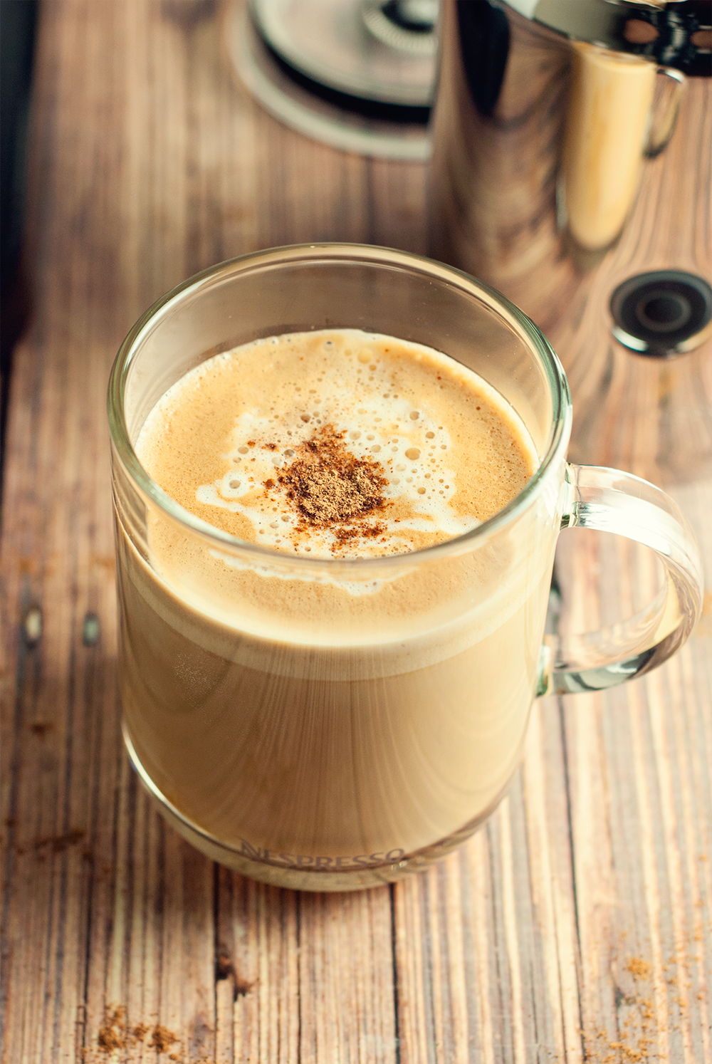 Enjoy a simple white chocolate eggnog latte this holiday season, garnished with a dash of nutmeg!