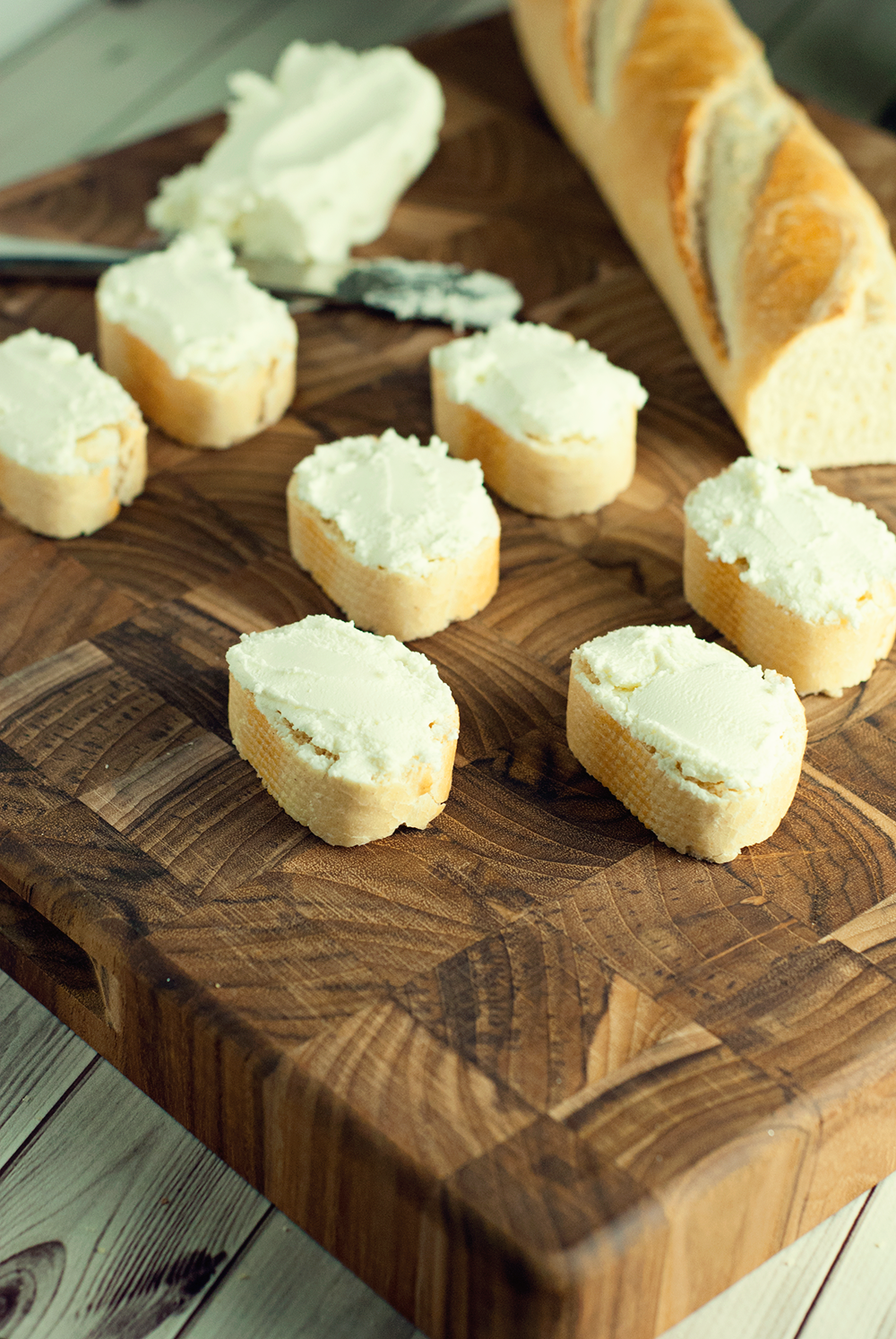 Make the perfect party appetizer with these goat cheese, prosciutto, and cranberry crostini!