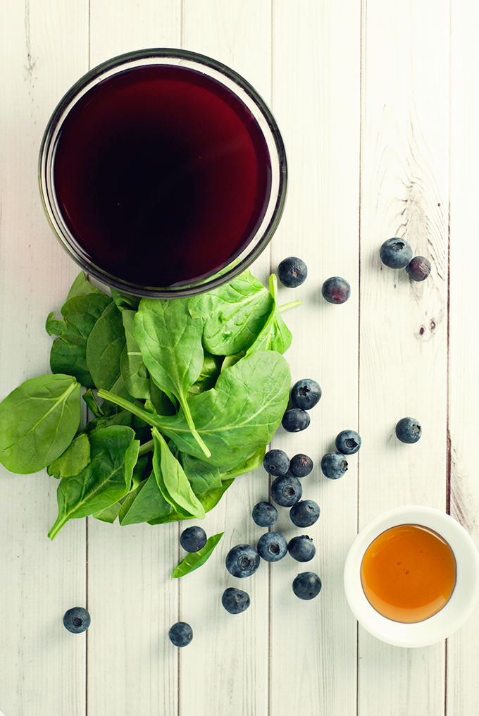 You won't believe what's hiding in this delicious blueberry pomegranate smoothie! AMAZING!