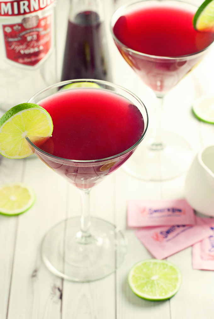 For a fun new twist on the classic cosmo, try this delicious pomegranate cosmopolitan! Diabetic friendly!