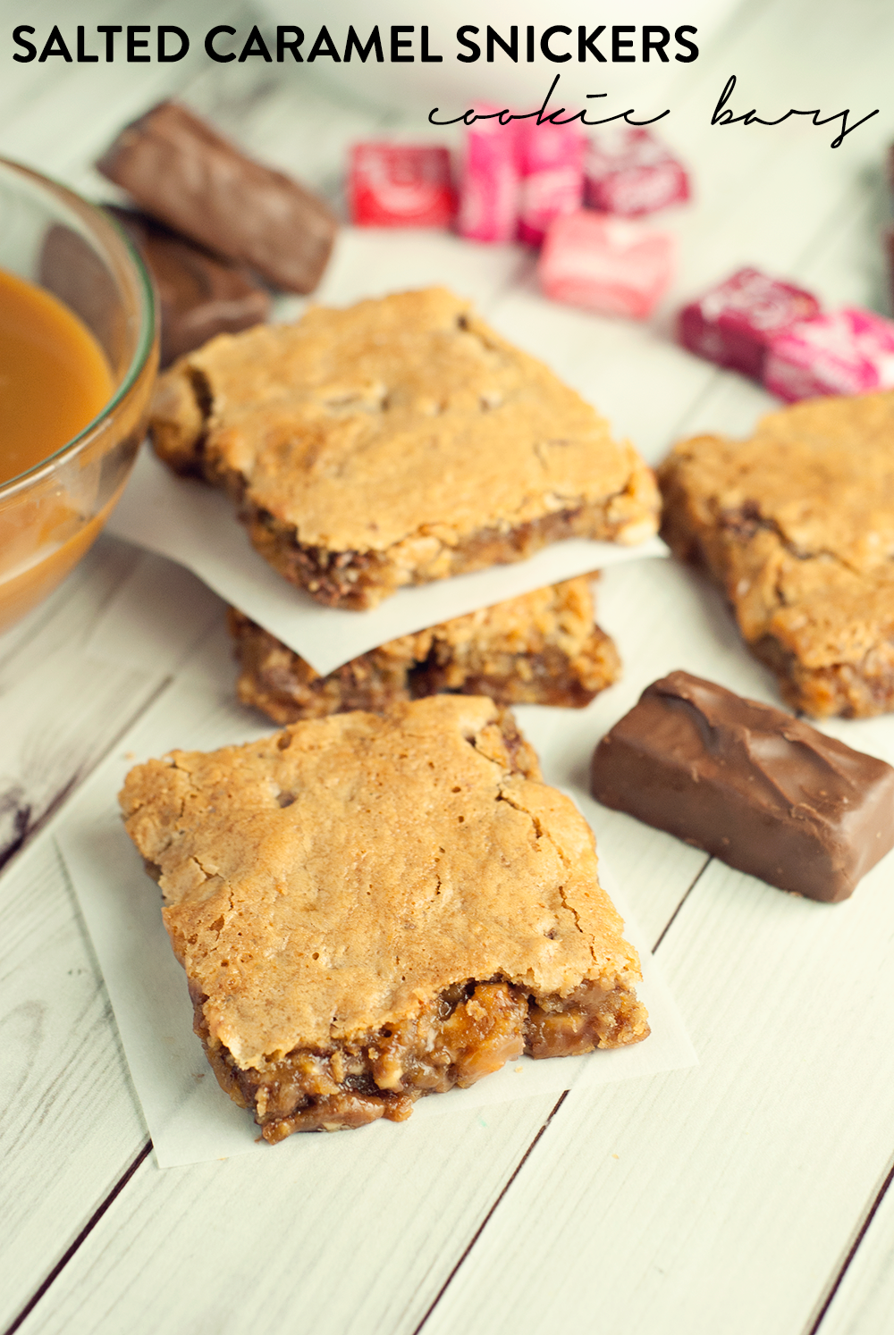 In need of a new, decadent, EASY dessert? Then try these amazing salted caramel Snickers cookie bars!