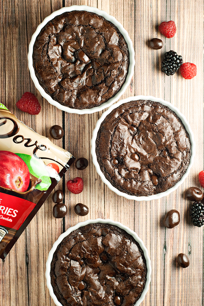This Dark Chocolate Brownie Tart is Date Night approved and whips up in minutes! Perfect for Valentine's Day too!