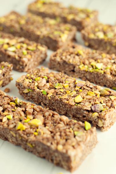 No-Bake Chocolate Nut Butter Granola Bars