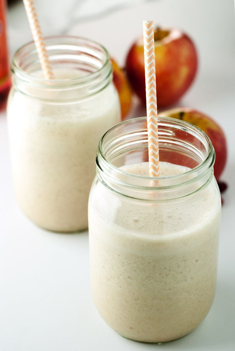 Apple Pie Smoothie | asimplepantry.com