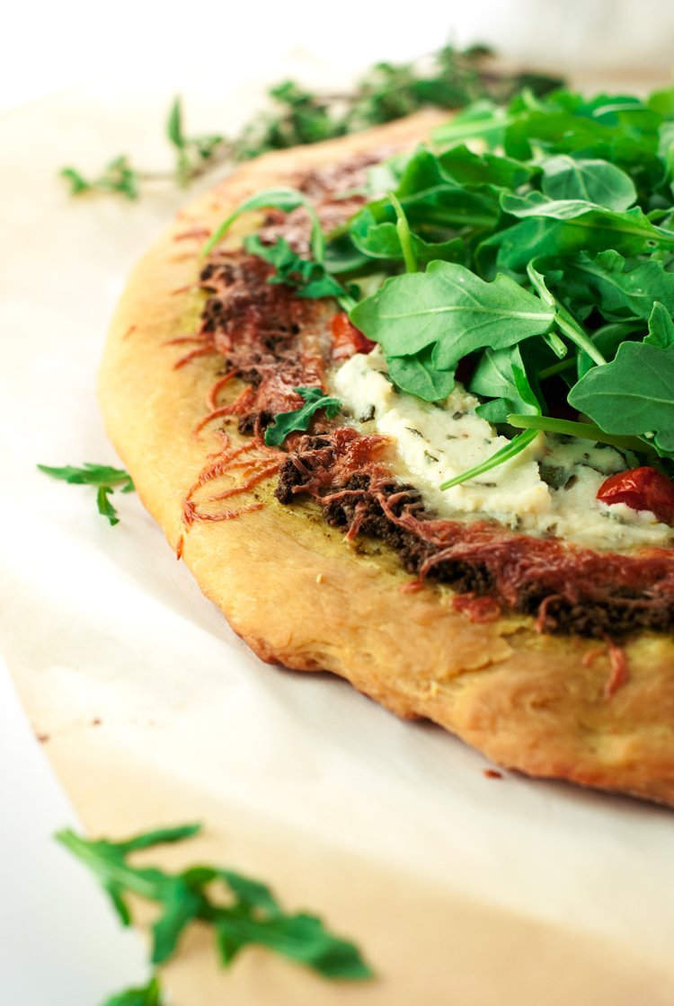 Walnut Pesto Pizza with Herbed Ricotta, Tomato, and Arugula | asimplepantry.com