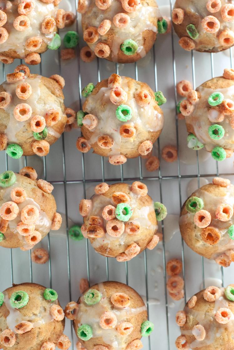 Apple Cinnamon Muffins | asimplepantry.com