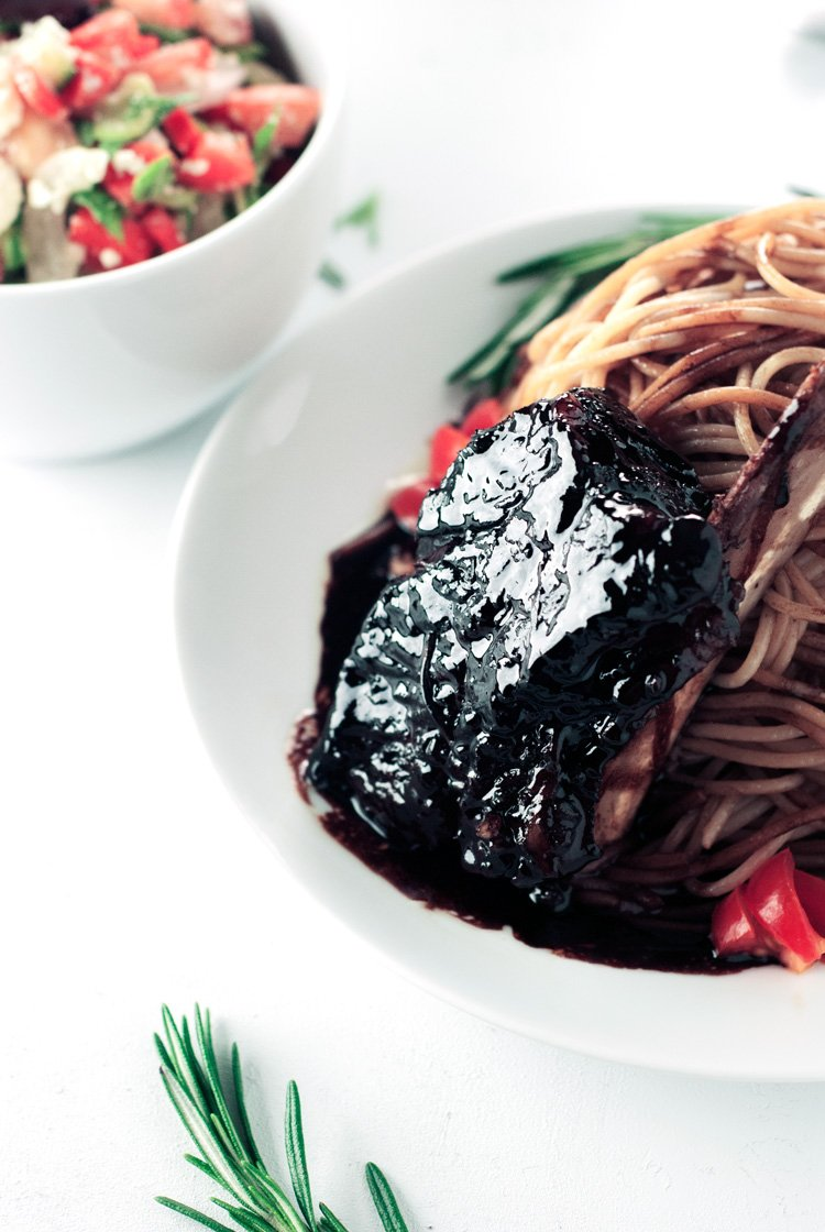 Balsamic Glazed Short Ribs | asimplepantry.com