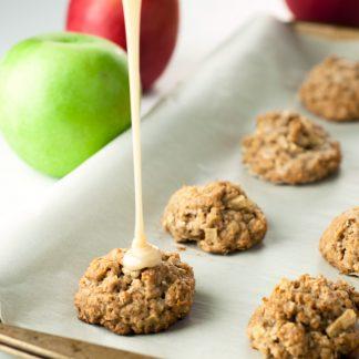 Caramel Apple Oatmeal Bites | asimplepantry.com