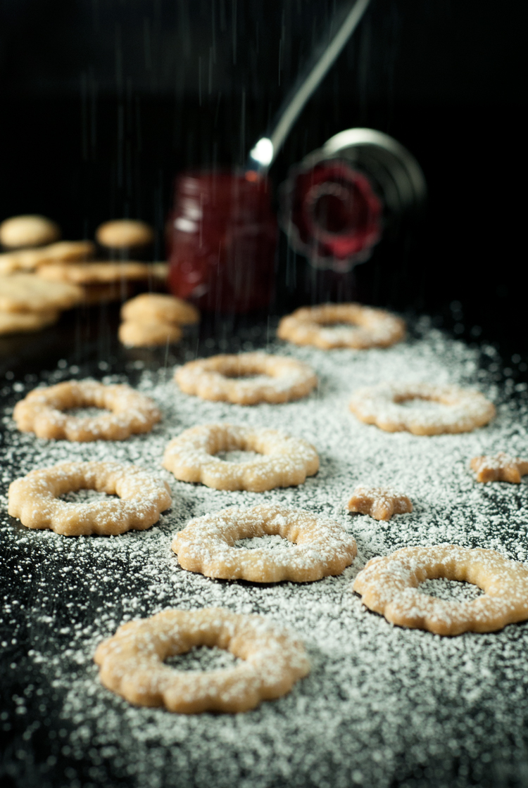 Simple Spiced Linzer Cookies | asimplepantry.com