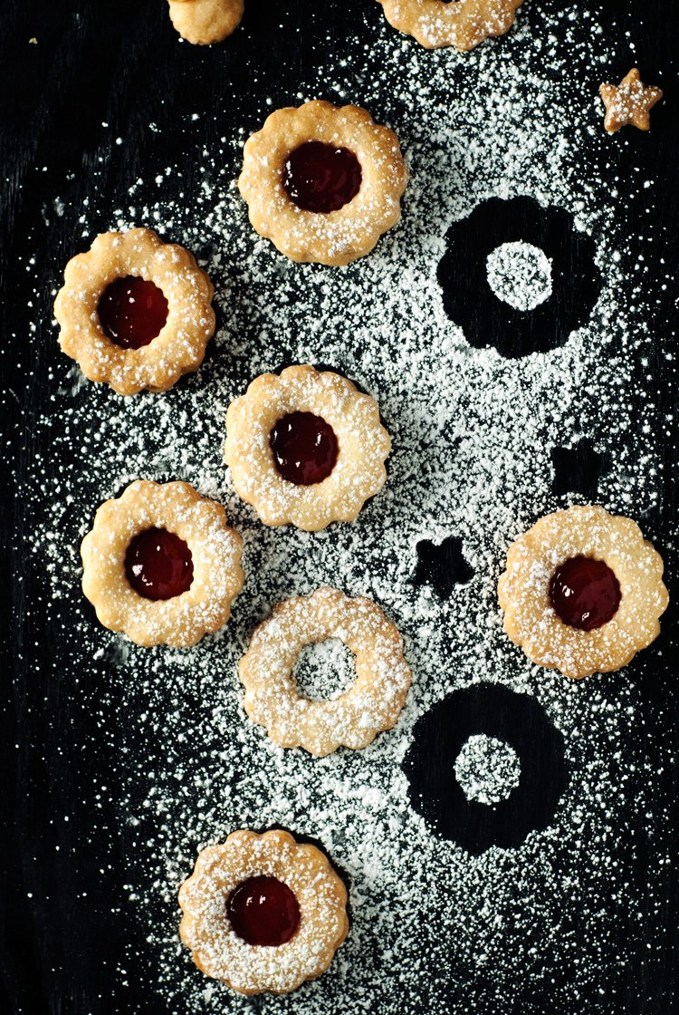 ... to do, and it's not just over these Simple Spiced Linzer Cookies