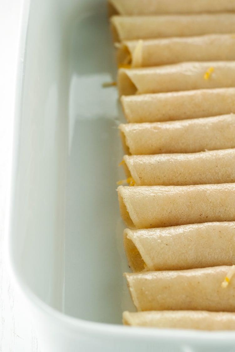 Chili Cheese Enchiladas | asimplepantry.com