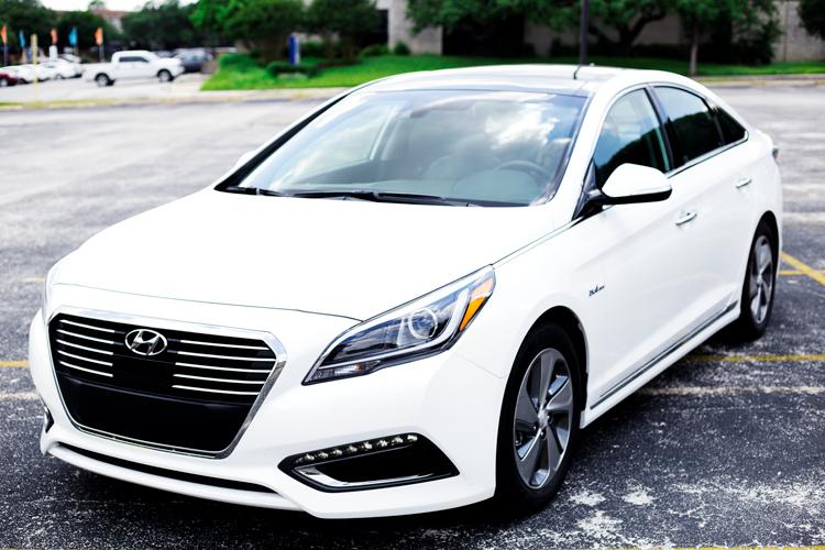 Taco-Garage-Hyundai-Sonata-Hybrid-2