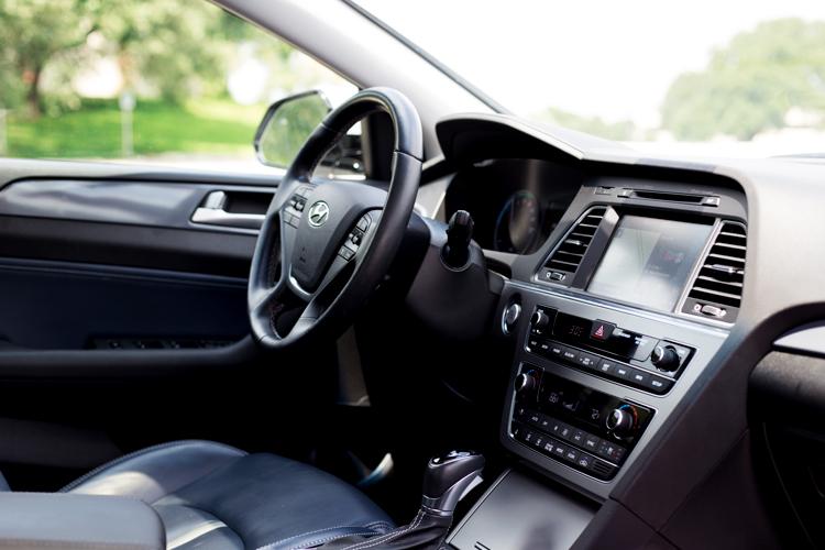 Taco-Garage-Hyundai-Sonata-Hybrid-3