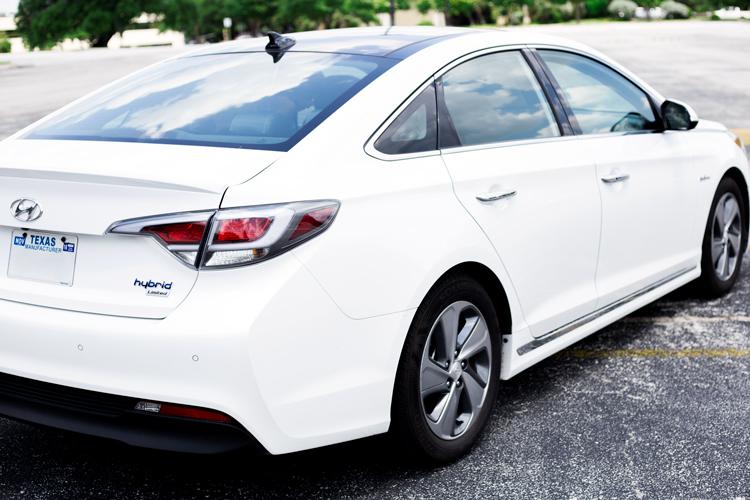 Taco-Garage-Hyundai-Sonata-Hybrid-4