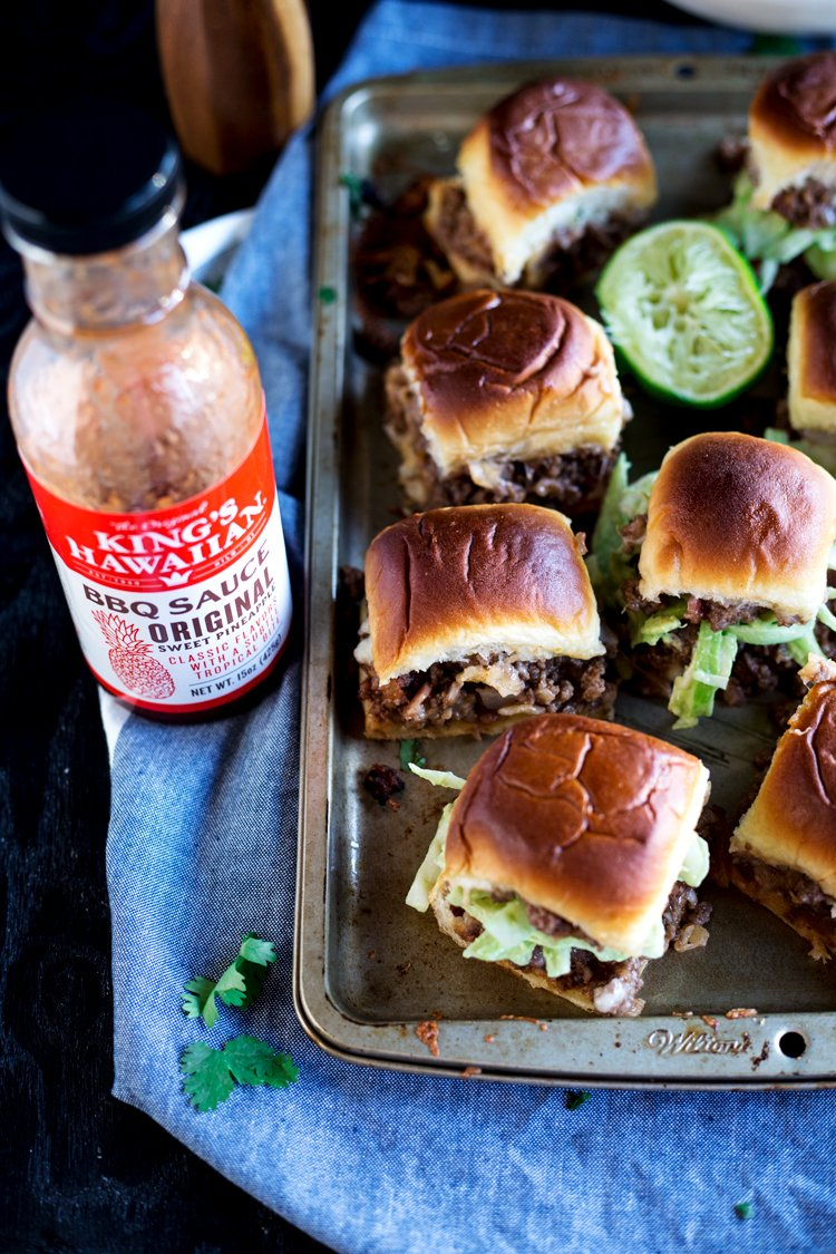 Game Day is looking delicious with these simply amazing BBQ Bacon Cheeseburger Sliders! Perfect for grilling, tailgating, or cooking inside! | asimplepantry.com