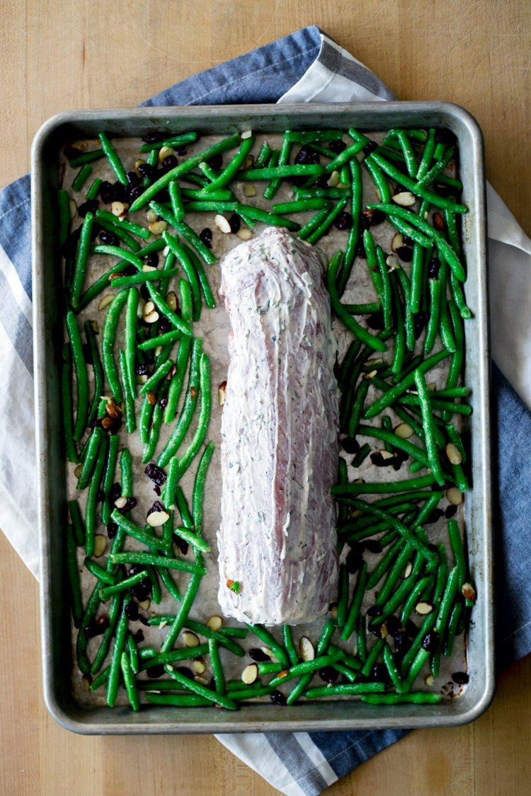 Your holiday dinner just got a lot more flavorful with this amazing, and FAST, Herbed Mayonnaise Roasted Pork Loin! Dinner is served in just 30 minutes, from a single pan! | asimplepantry.com