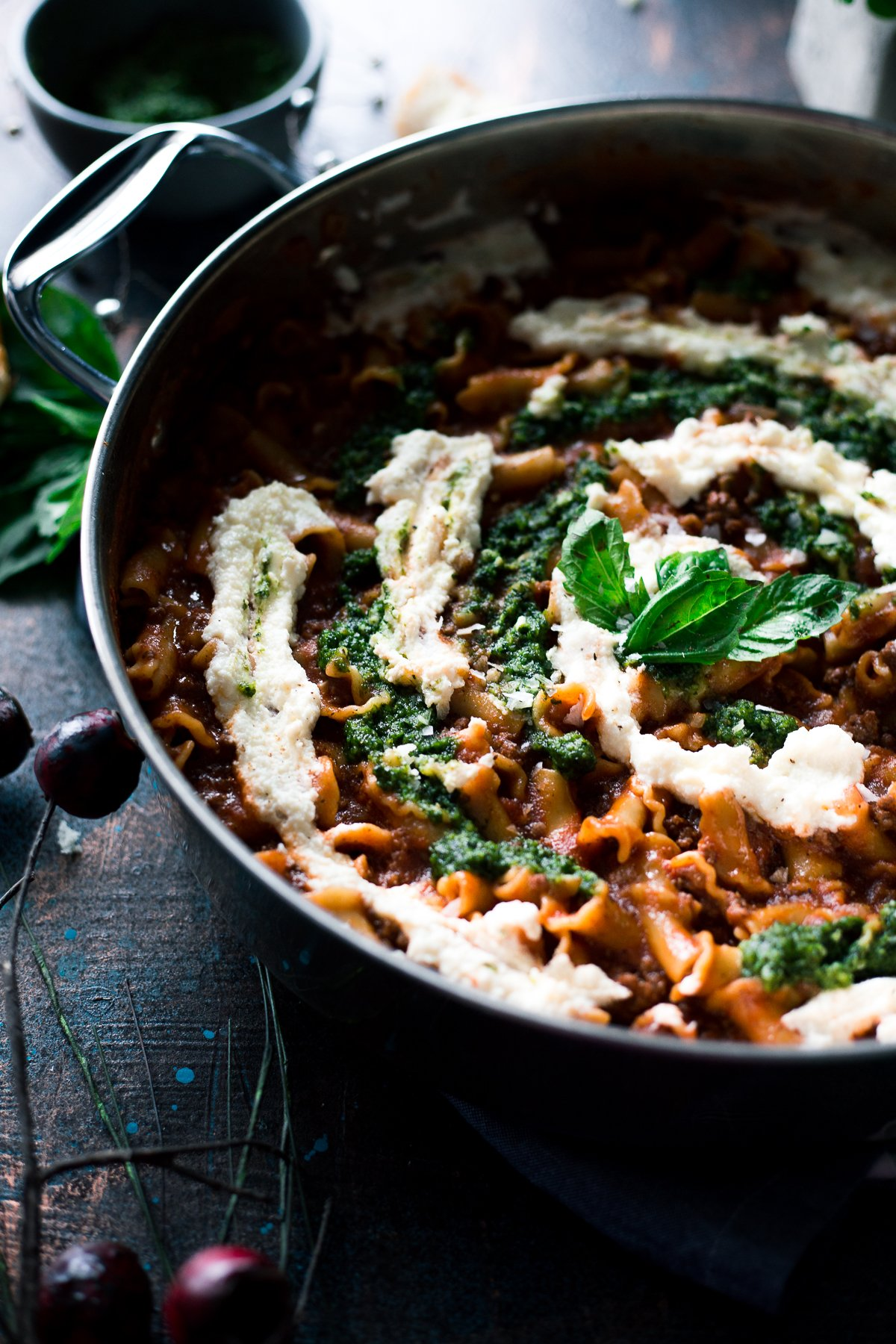 In terms of easy dinner recipes, this Creamy Pesto Lasagna One Pot Pasta is perfect for any night of the week! Dinner is served! | asimplepantry.com